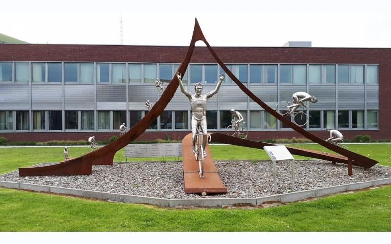 Standbeeld Eddy Merckx