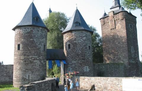 Feodaal kasteel van Sombreffe
