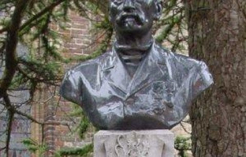 Borstbeeld Karel Cogge