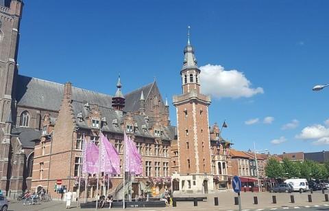 Stadhuis en Belfort Eeklo