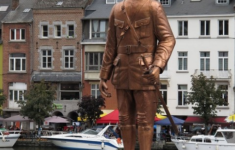 Standbeeld Charle De Gaulle