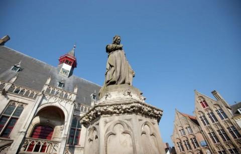 Standbeeld Jacob van Maerlant